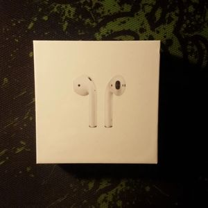 Apple Airpods 2nd Generation New and sealed